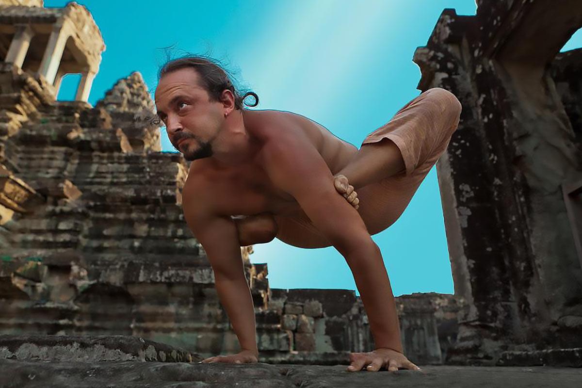Александр Таишев асаны в Ангкор Ват