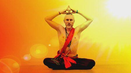 aleksandr-belosludcev-yoga